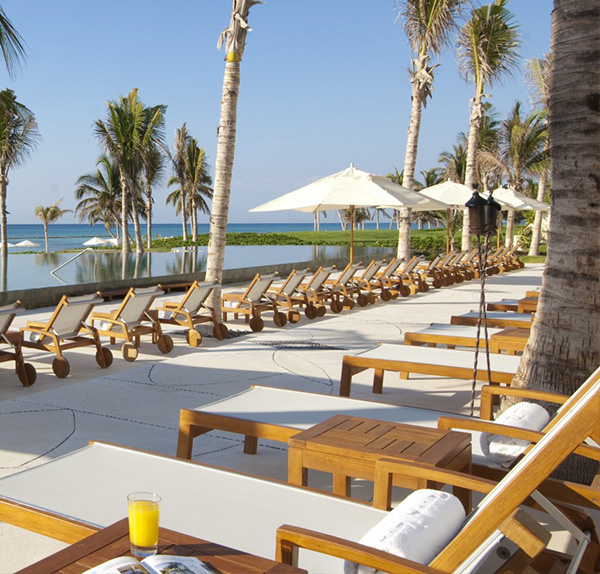Grand Velas Riviera Maya offering Aqua Bar